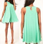 Выкройка платья колокол - Размеры: 42-52. Несмотря на свободный силуэт, модель такого платья подходит только худеньким девушкам и это связано с очертаниями проймы, а не с силуэтными формами.