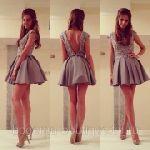 Выкройка платья со спущенным плечом и вырезом - Размеры: 42-52. Уровень сложности пошива: простой. Эта выкройка платья для начинающих кутюрье. Модель подходит стройным девушкам и молодым дамам. Платье может быть отшито как с юбкой «татьянка» так и с юбкой «солнце»...