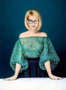 Выкройка блузы «Эвелина» - Размеры: 40-52. Уровень сложности шитья: простой - выкройка для начинающих кутюрье, которые уже освоили шитьё юбки-карандаша. Фасон этой блузы подходит только для стройных фигур любого роста...