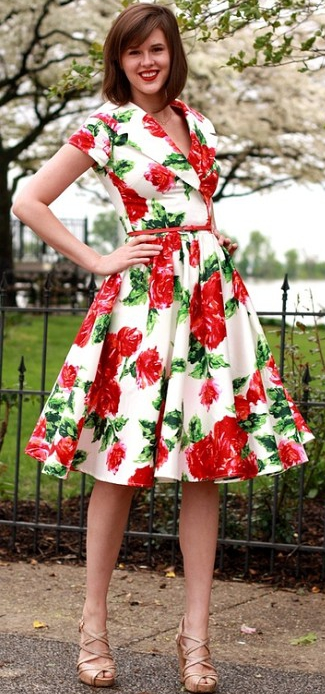 Шалевый воротник на платье